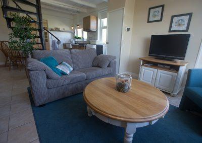 Vakantiehuisje Smoek is knus ingericht en van alle gemakken voorzien, waaronder kabeltelevisie en WiFi.